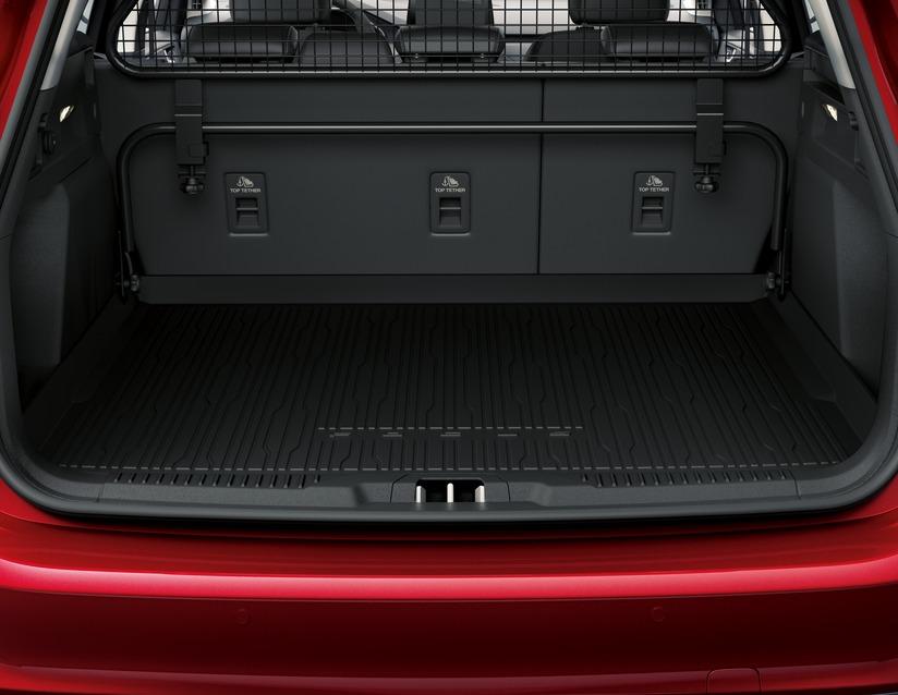 ORIGINAL Ford Antirutschmatte Kofferraummatte FOCUS IV Turnier 2304948